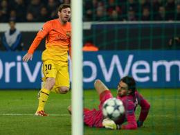 Lionel Messi & Salvatore Sirigu