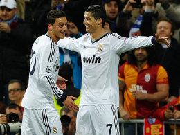 Mesut Özil, Cristiano Ronaldo (v.li.)