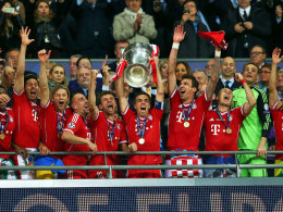 Bayern-Jubel mit dem Pott