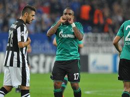 Schalkes Farfan (Mi.) bejubelt das 1:0