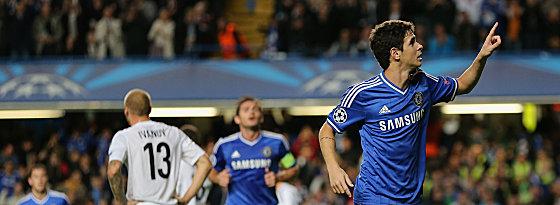 Oscar (re.) bejubelt sein soeben erzieltes 1:0