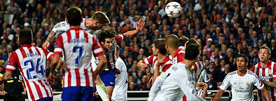 Kurz vor knapp: Sergio Ramos köpft Real in die Verlängerung.
