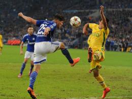 Huntelaar köpft Jonathan Silva den Ball ins Gesicht - zum Entsetzen von Sporting gab es jedoch Elfmeter.