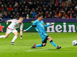 Bernd Leno (l.), Lionel Messi