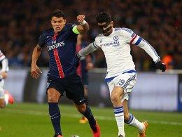 Kapitän gegen Maskenmann: Paris-Verteidiger Thiago Silva (li.) gegen Chelseas Diego Costa.