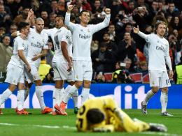 """Jubel und Erleichterung bei """"CR7"""": Cristiano Ronaldo (Mitte) trifft zum erlösenden 1:0."""