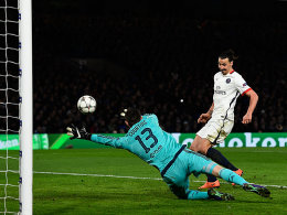 Thibaut Courtois (l.), Zlatan Ibrahimovic