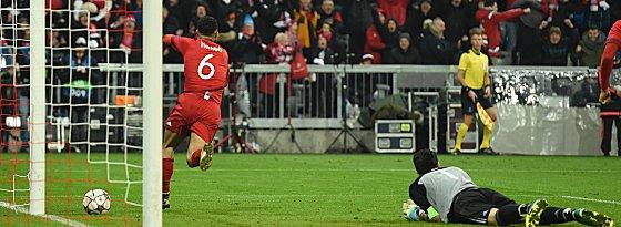 Thiago, Gianluigi Buffon
