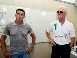 Für die gute Sache unterwegs: Jorghino und Franz Beckenbauer.