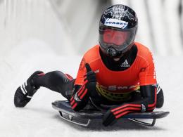 Daumen hoch: Skeleton-Pilotin Marion Thees gewinnt in Sotschi den Gesamt-Weltcup.