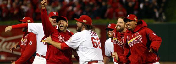 Geschafft! Die St. Louis Cardinals jubeln nach dem 6:2-Sieg gegen die Texas Rangers im entscheidenden Spiel 7 der World Series.