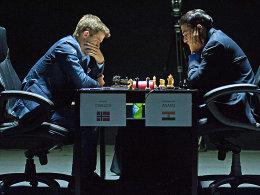 Magnus Carlsen und Viswanathan Anand