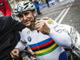 """Strahlender Sieger: Im M�rz gewann Alessandro """"Alex"""" Zanardi den Handbike-Marathon in Rom."""
