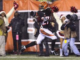 Pick 6! Dre Kirkpatrick sprintet zum siegbringenden Touchdown in die Endzone der Broncos.