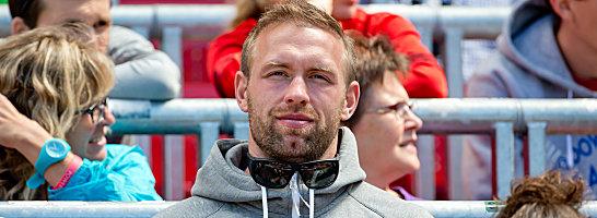 Bei der DM in N�rnberg nur Zaungast: Robert Harting hofft noch auf die WM-Teilnahme.