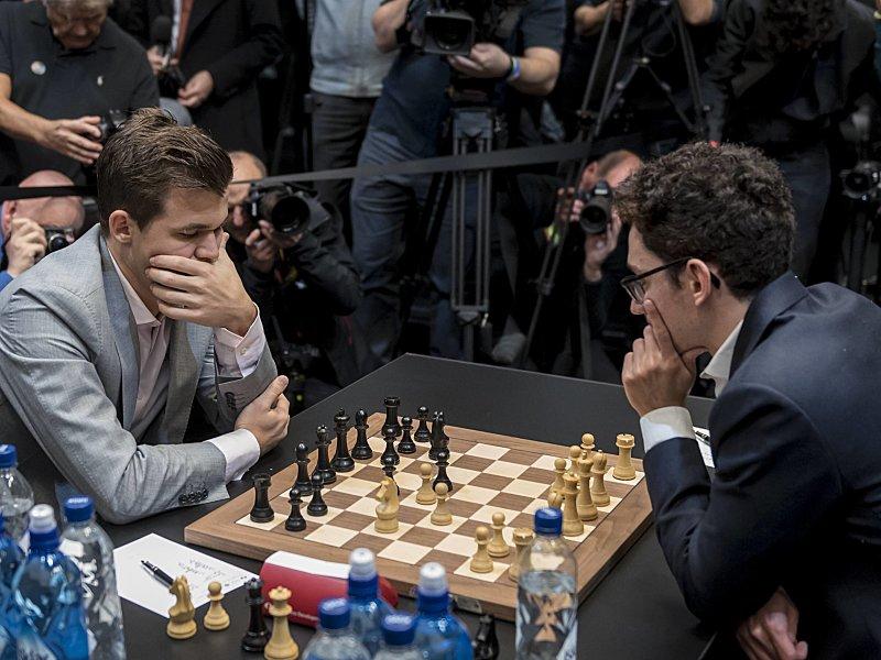 Carlsen erneut Schach-Weltmeister: Triumph im Tie-Break