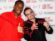 Didier Drogba vom FC Chelsea, Bono (re.)