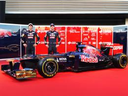 Völlig neues Team: Jean-Eric Vergne (re.) und Daniel Ricciardo bei der Präsentation des Toro Rosso STR7.