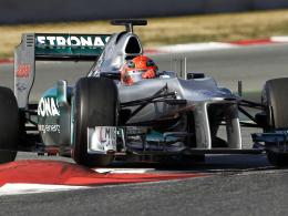 Fleißig und schnell: Mercedes-Pilot Michael Schumacher bei den Formel-1-Tests in Barcelona.