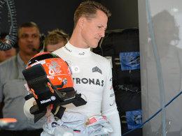Der Tag danach: Michael Schumacher vor dem Training in Suzuka.