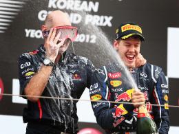 Wollen auch 2013 wieder feiern: Red-Bull-Chefdesigner Adrian Newey (li.) und Weltmeister Sebastian Vettel.
