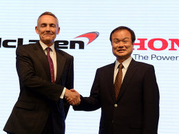 McLaren-Teamchef Martin Whitmarsh und Honda-Präsident Takanobu Ito (re.)