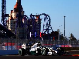 Neue Kulisse: Nico Rosberg erzielte in Russland die erste Bestzeit.