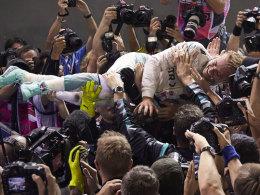 Ließ sich nach dem Rennen ausgiebig feiern: Mercedes-Pilot Nico Rosberg.