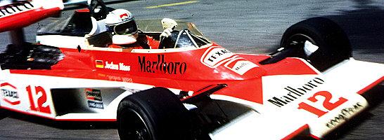 Jubilar: Jochen Mass, hier 1976 im McLaren-Ford in Monaco, wird 70.