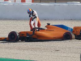 Ricciardo mit der Bestzeit - Rote Flagge bei Alonso