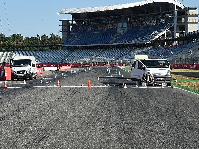 Startvorteil für den Deutschen:Vettel rast zur Pole, Hamilton schiebt