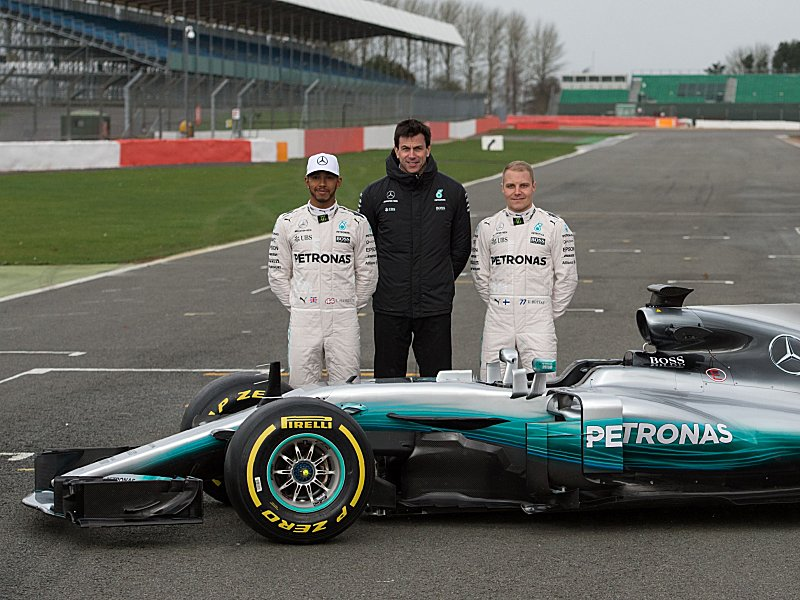 Neustart als Ansporn: Mercedes will Formel-1-Spitze behaupten ...