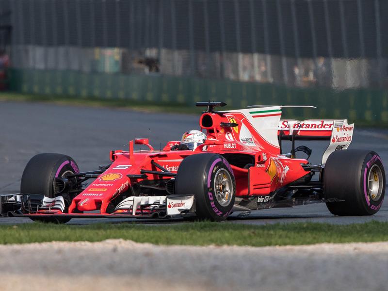 Hamilton gewinnt Großen Preis von China vor Vettel