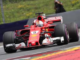 Bottas gewinnt den Auftakt, Vettel abgeschlagen