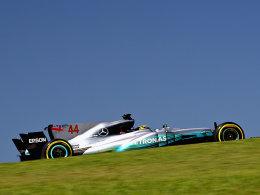 Erste Session: Hamilton knapp vor Bottas