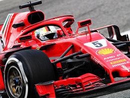 Ferrari dominiert am Freitag - Strafe für Hamilton