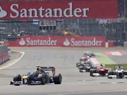 Kein Regen, keine Probleme: Fernando Alonso hielt die Konkurrenz in Silverstone in Schach und wiederholte seinen Vorjahreserfolg.