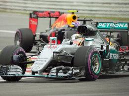 Vettel verzockt sich, Hamilton jubelt erneut