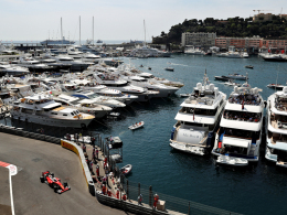 Vettel verweist Silberpfeile auf die Pl�tze