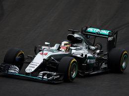 Hamilton gewinnt nach Kollision mit Rosberg