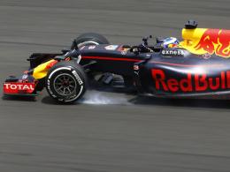 Ricciardo siegt vor Verstappen und Rosberg