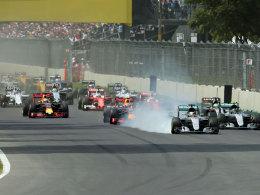 Hamilton siegt vor Rosberg - WM-Entscheidung vertagt