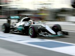 Erste Bestzeit kommt von Hamilton, Vettel Fünfter