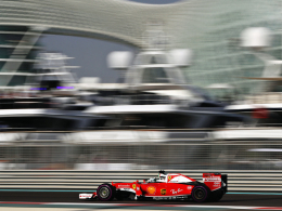 Vettel ganz vorne, Hamilton wieder vor Rosberg