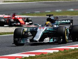 Hamilton gewinnt knapp vor Vettel