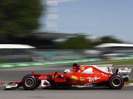 Ferrari fährt vorneweg: Vettel vor Räikkönen