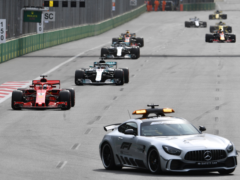 Red-Bull-Crash, Safety Car, Reifenplatzer: Turbulenzen in Baku