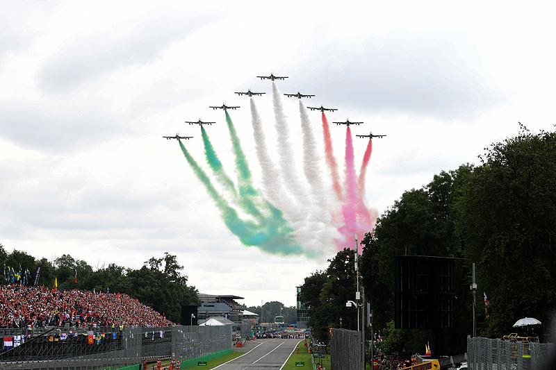 Geburtstagstorte, Vettel-Crash und Hamilton-Party
