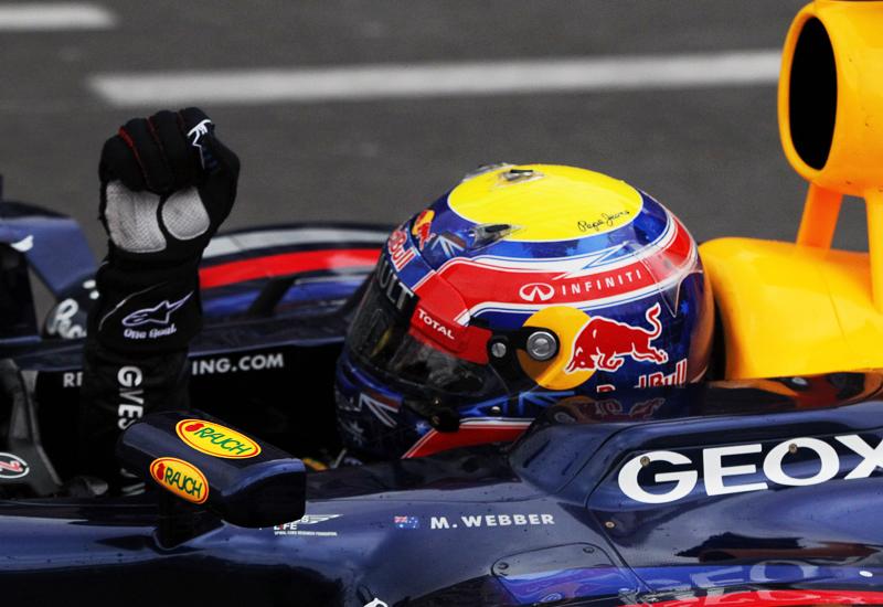 Mit geballter Faust trat mit Mark Webber bereits der sechste Sieger im sechsten Rennen zur Ehrenrunde an.