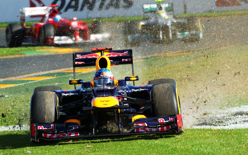 Der Ausritt in die Wiese gehörte zu den weniger guten Momenten für Titelverteidiger Sebastian Vettel.